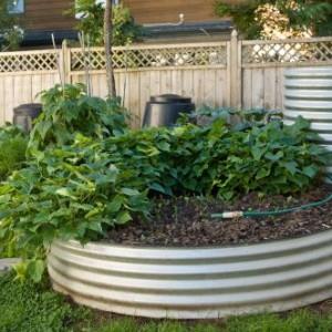 Steel garden bed